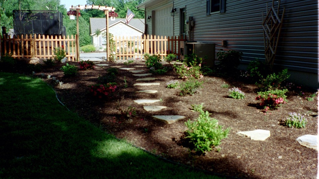 Side Yard Landscaping