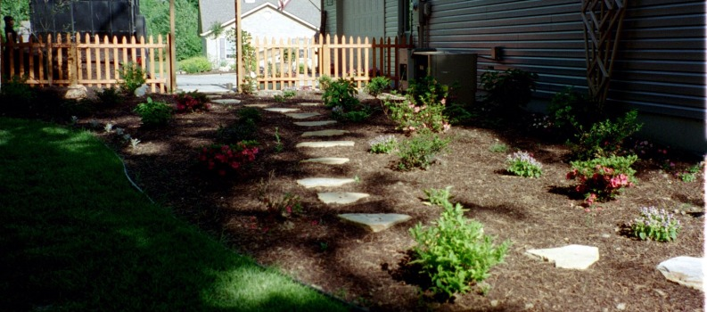 Landscaping Your Side Yard : Tehand?n landscapes and trees inc landscaping small yards tips tricks